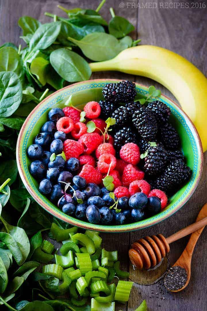 Vegan_Spinach_Berry_Smoothie_DSC7783