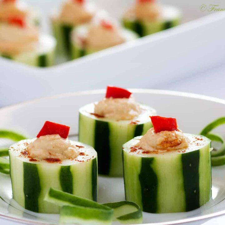 Cucumber_Cups_With_Hummus