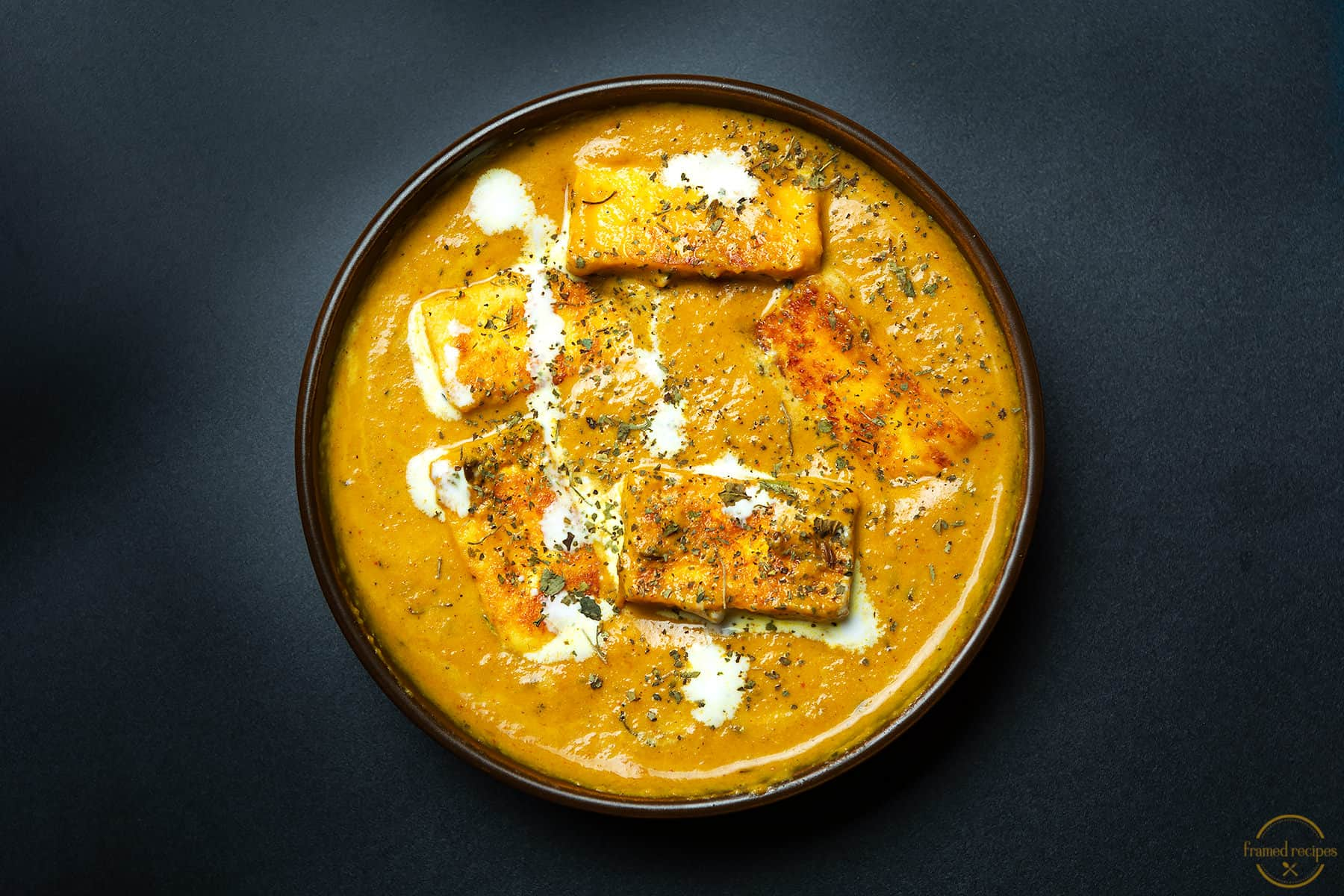 lasooni paneer - delicious paneer curry with aromatic spices and garlic.
