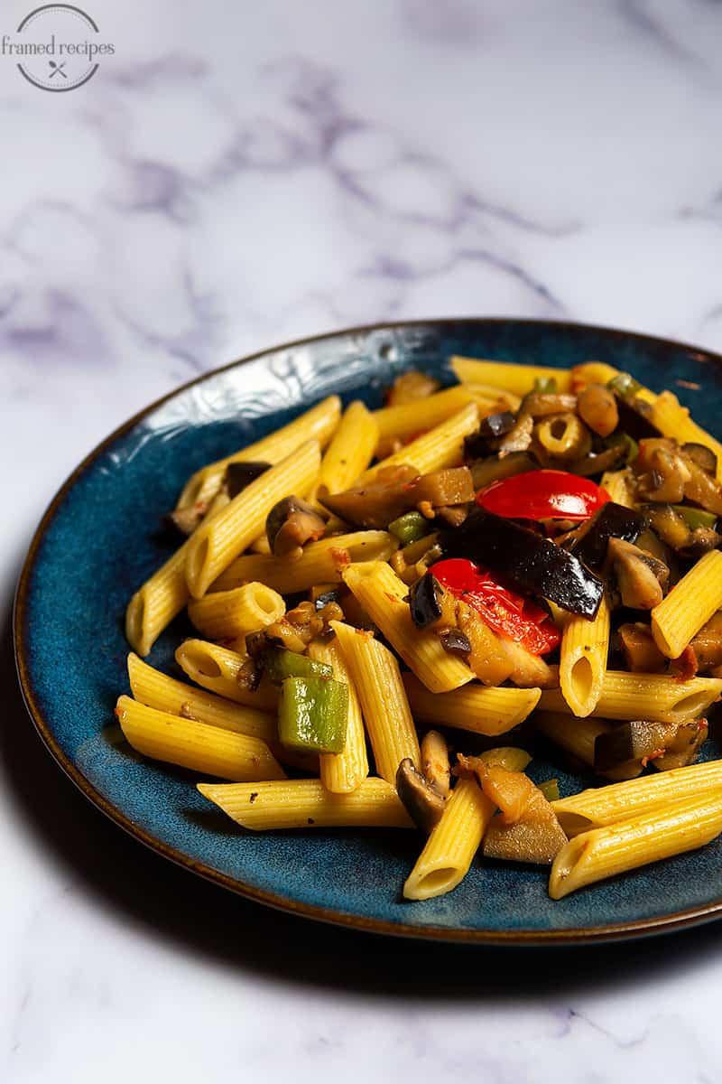 pasta primavera with sundried tomato pesto