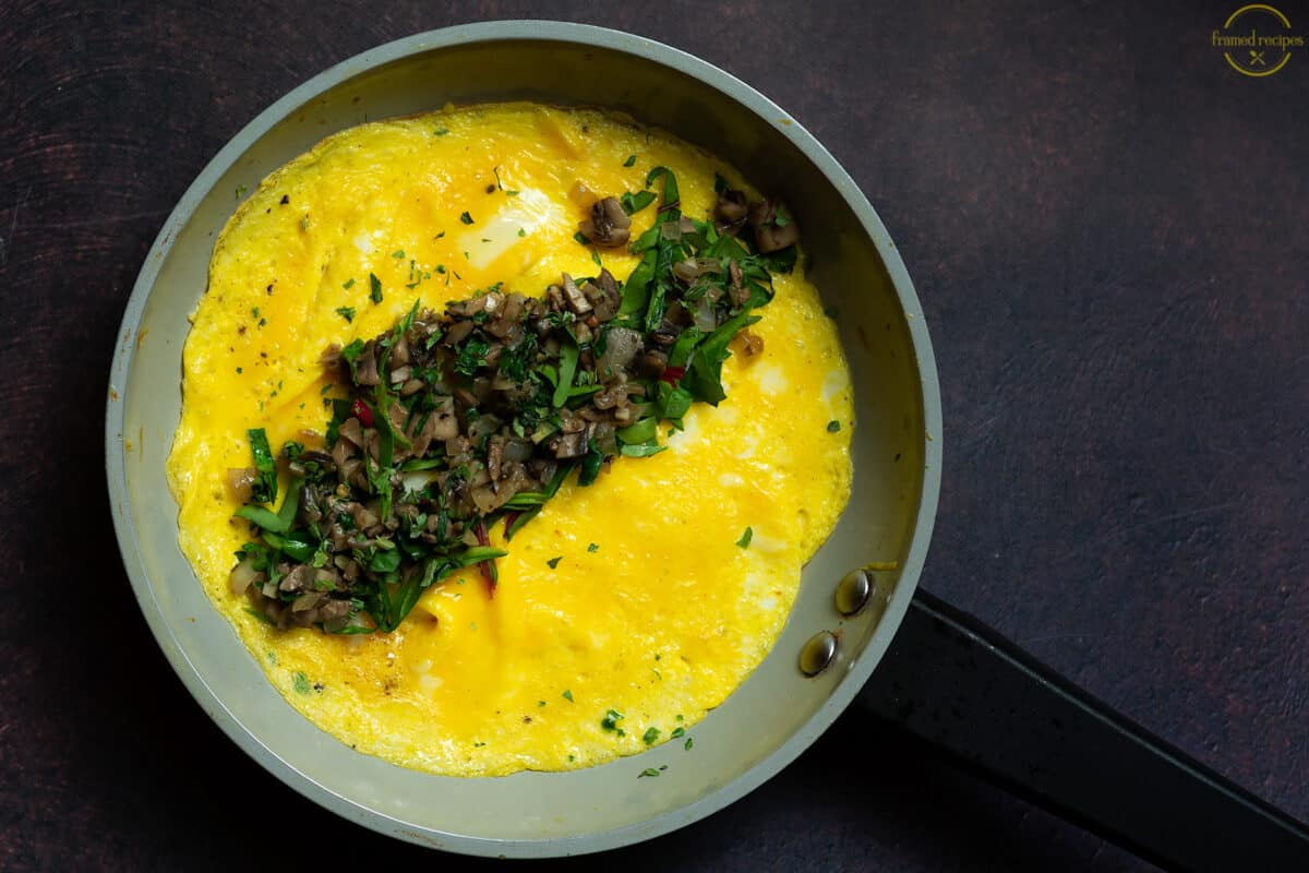 mushroom and spinach filled omelet